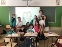 Alumnos en el club de debate